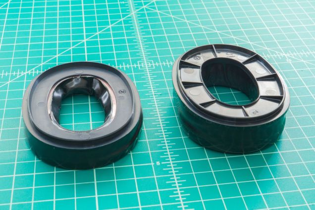 Here are the 3M Peltor Camelback Gel Sealing Rings on the left, and the Generic Aviation Gel Seals on the right. The Aviation Gel Pads are much thicker. For most users this simply means more comfortable. If piloting an airplane for hours on end, they better be comfortable.