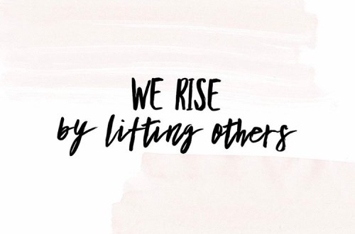 Girlboss Events in Cincinnati operates with the mantra of We Rise By Lifting Others.