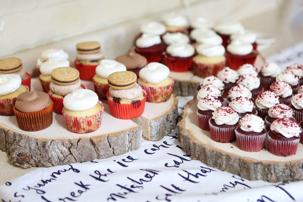 Cupcake bar at a Galentine's Day Party | Millennials with Meaning