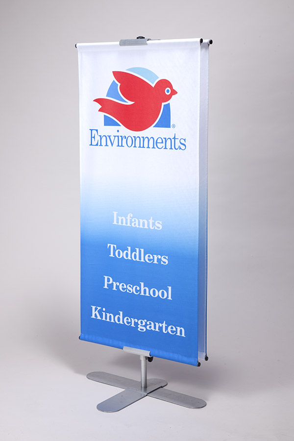 Tabletop bannerstand