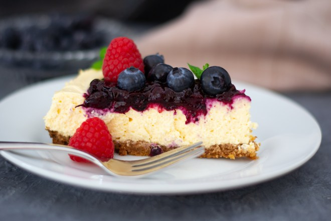 heavenly berry cheesecake