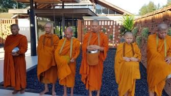 Mönche singen ihre Gebete