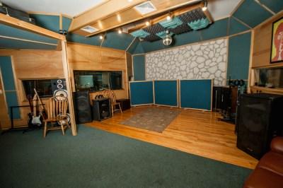 studio-room-2