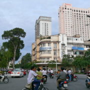 Carrefour de Le Loi et de l´avenue Nguyen Huê