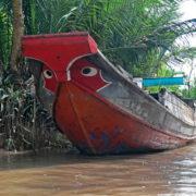 promenade en barque à fond plat dans les arroyos (canaux secondaires)