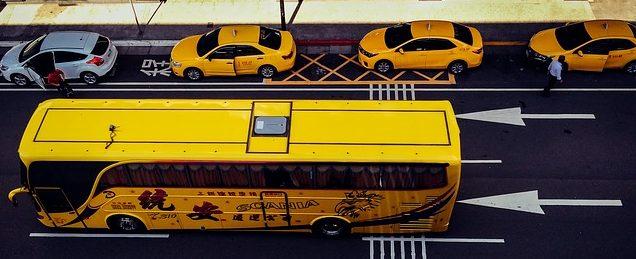 voiture, bus ou taxi