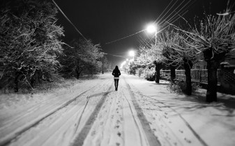 black-and-white-snow-night-girl-wide
