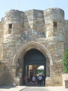041 Castle 1