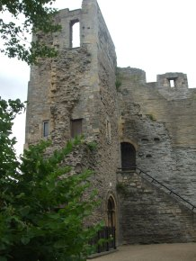 056 Newark Castle tower (1)