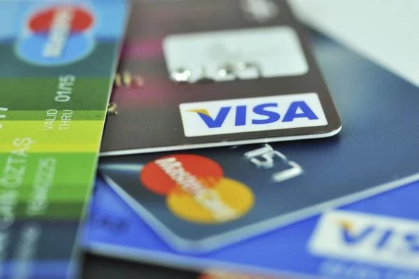 Best 7 No Annual Fee Cash Back Cards Compared