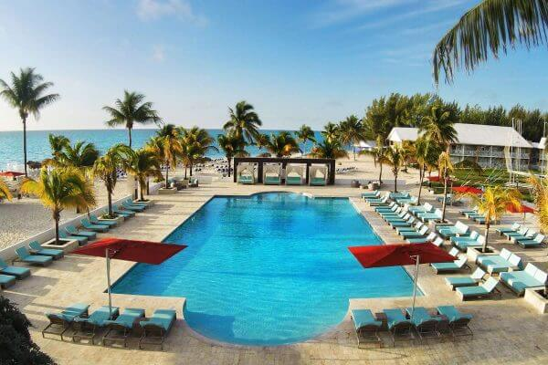 It's Back! Earn 3 Nights at an All-Inclusive Resort With 1 Sign-Up Bonus