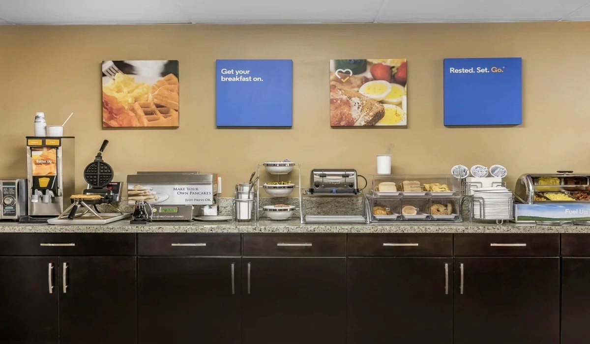 This Breakfast From The Comfort Inn in Sunnyvale, CA Offers a Good Assortment of Options To Start Your Day.