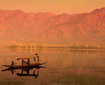 Lake Dal, Srinagar, Kashmir, Himalayas, India