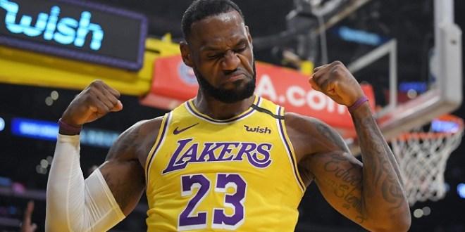 LeBron extiende su contrato hasta 2023 con los Lakers