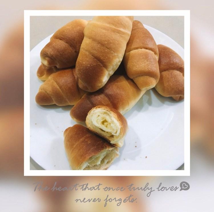 【美味食譜】簡單手作麵包~大人小孩都最愛吃。奶油牛角小餐包
