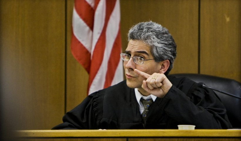 Judge Rules High Schools In Oregon to Allow Mix Genders in Showers and Bathrooms