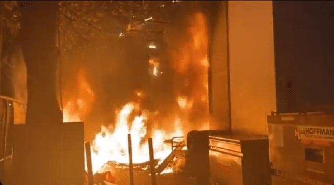 Antifa Set Apple Store In Portland On Fire