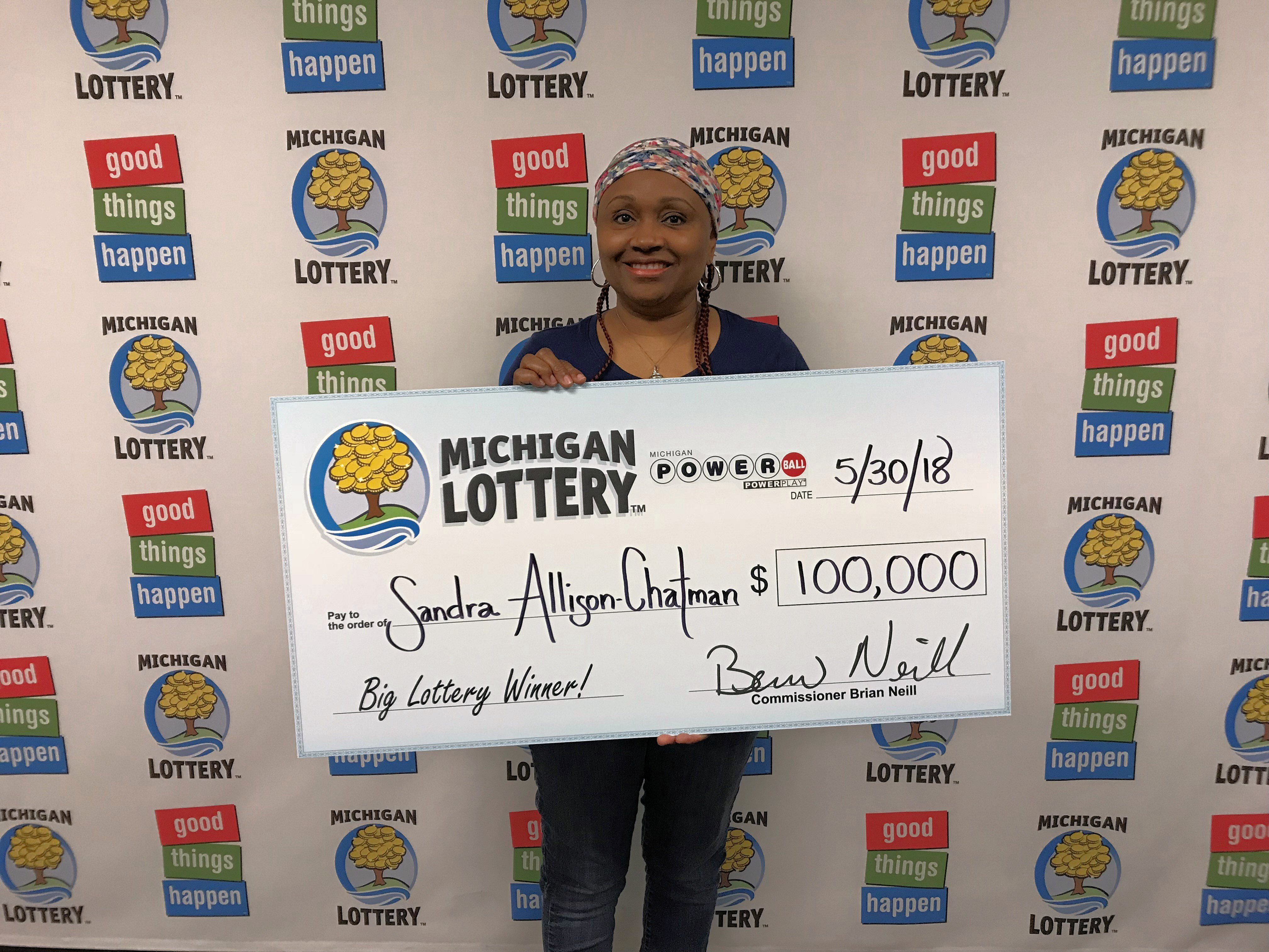Macomb Woman Wins 100 000 Powerball Prize From The Michigan Lottery