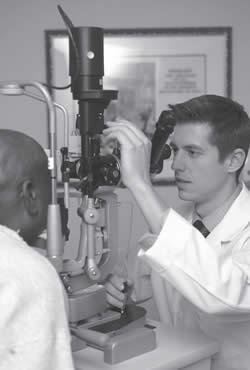 eye-care-specialists-eye-testing