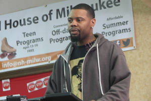 Edward Austin shares his story of how gun violence changed his life. (Photo by Karen Stokes)