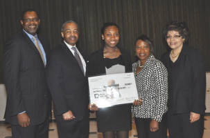 Left to right – Michael Barber CEO of GE Health Services presented the Herd-Barber Scholarship; Ralph Hollmon, president and CEO, MUL; Ronisha Howard, scholarship recipient; Jacqueline Herd-Barber and Margaret Hollmon.