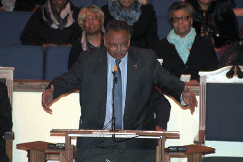 Rev-Jesse-Jackson-with-protestors-4
