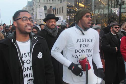 protestors-justice-for-dontre-hamilton-2