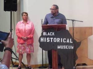 Joanne Williams moderated and James Causey hosted the forum. (photo by Karen Stokes)