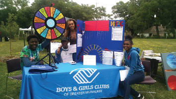 Madia Norton (standing) and Boys and Girls Club of Greater Milwaukee promote the Teen Pregnancy Prevention Program. (Photo by Mrinal Gokhale)