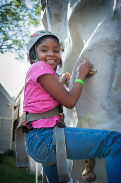 Girl-Scouts-Day-of-Play-rock-climbing