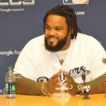 Prince Fielder returns to Miller Park to throw first pitch in NLC series game 2