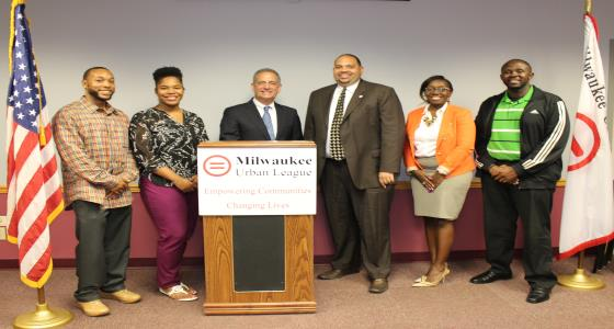 Former Senator Russ Feingold (center, left), a Democratic candidate for the U.S. Senate, met with members of the Milwaukee Urban League on Thursday, July 28, 2016. The visit was part of a larger tour that Senator Feingold is undertaking in an effort to listen to the priorities and concerns of Wisconsinites in all 72 counties. The Milwaukee Urban League works to provide essential services and other support to help African Americans achieve their full potential and participate in the social mainstream.