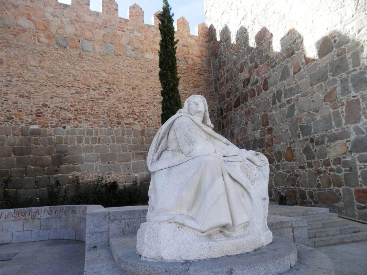 Estatua Santa Teresa Avila