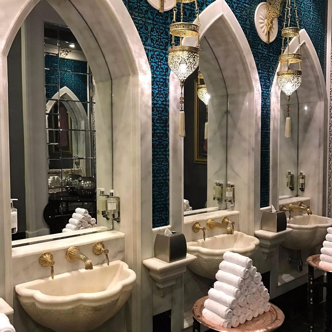 Dubait Toilet