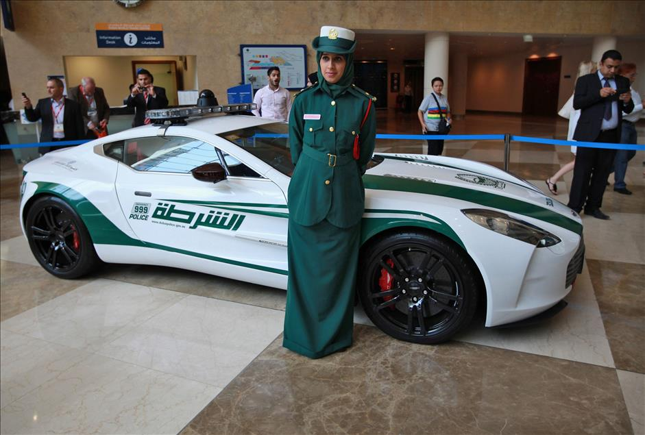 Dubai coches policia