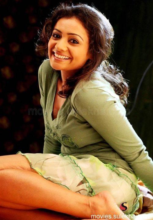 Meera Vasudev Sexy Pictures
