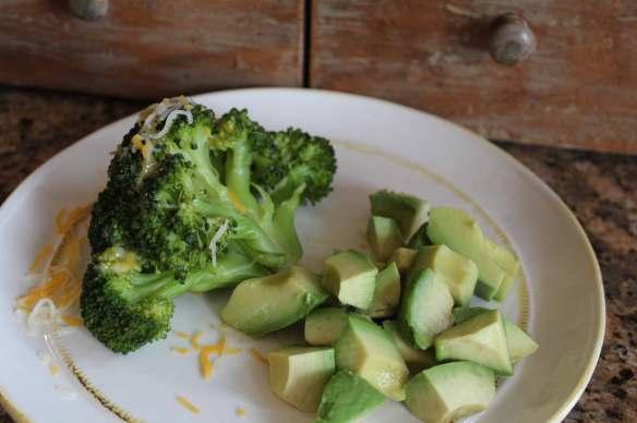 Healthy Avocado-Broccoli-Cheese snack