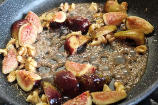 maple syrup and butter with figs and walnuts