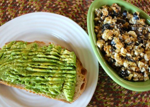 avocado-toast-with-walnut-gorgonzola-olive-topping