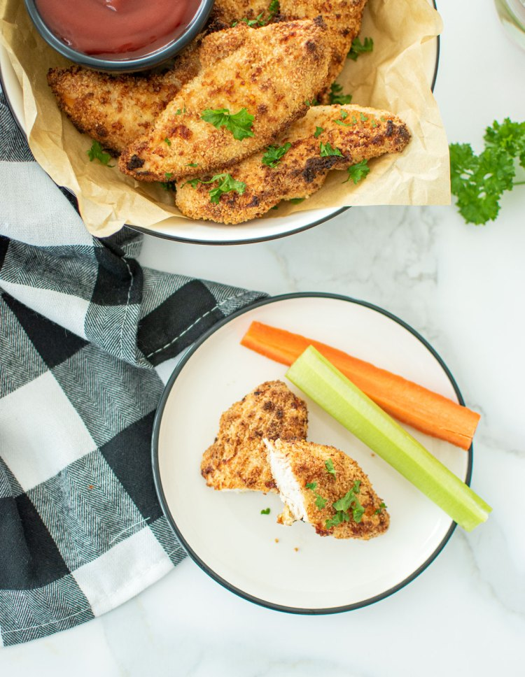 Best simple and easy Air Fryer Chicken Strips recipe. Make your own homemade chicken strips in the air fryer with this healthy and easy Air Fryer Chicken Strip recipe. #organic #organicchicken #chickenstrips #airfryer #airfryerrecipe #chickenstriprecipe #appetizer #appetizerrecipes