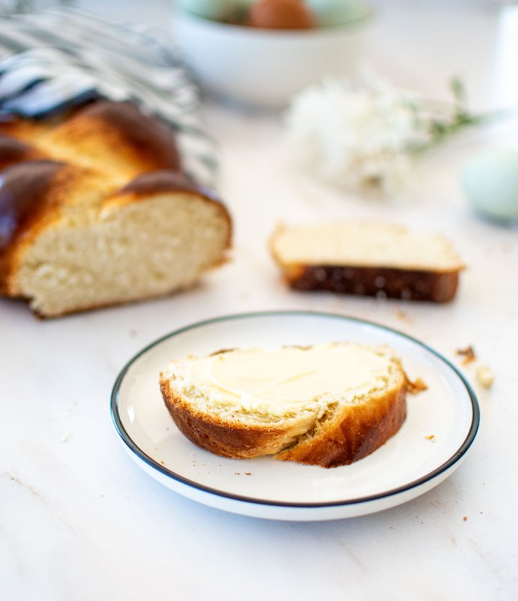King Arthur's Classic Challah Bread Recipe from their new book The All Purpose Baking Companion. This easy Challah bread recipe is quick and makes a delicious challah bread that can be used for so many recipes! #organicbaking #challahbread #kingarthur #breadrecipe #homemadebread