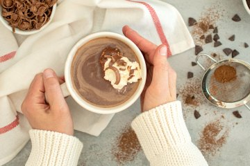 Easy 4 ingredient hot chocolate recipe. This Dark Hot Chocolate recipe is creamy and delicious! Easy homemade hot chocolate that just has 4 simple ingredients: milk, cocoa, dark chocolate, and sugar. Top with whipped cream, marshmallows, or chocolate shavings! The perfect hot chocolate recipe for the whole family, it makes 4 hot chocolates #hotchocolate #hotcocoa #darkchocolate #hotchocolaterecipe #creamyhotchocolate #homemadehotchocolate #easyhotchocolate #easyrecipe #christmasrecipe #christmashotchocolate