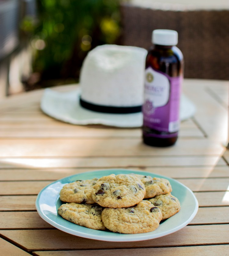 organic cookie recipe, honey almond chocolate chip cookies, vacation cookie recipe, soft baked honey almond chocolate chip cookies, the best honey almond chocolate chip cookie recipe