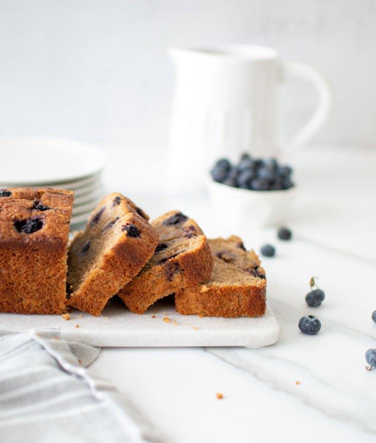 How to make blueberry banana bread. The best blueberry banana bread recipe. Can you put blueberries in banana bread, yes you can. Easy blueberry banana bread. Healthy blueberry banana bread. Recipe for blueberry banana bread. #bananabread #bluberry #highaltitude #highaltitudebaking