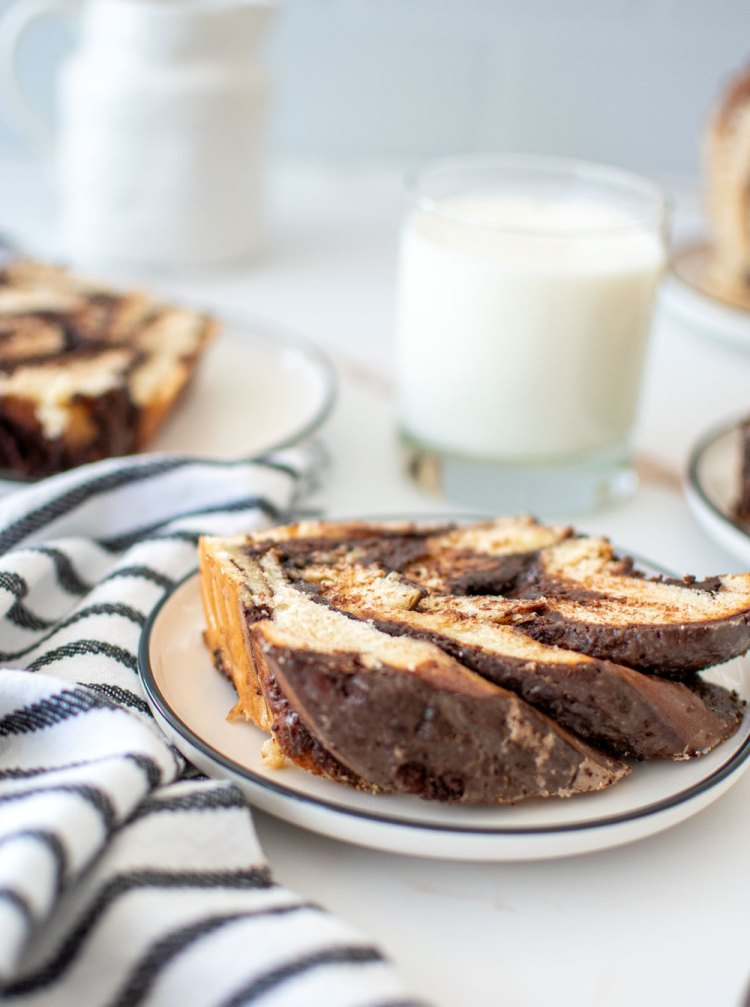 How to make Chocolate Babka. What is chocolate babka. This easy and delicious chocolate babka recipe is more than a bread. This sweet yeast bread is filled with chocolate filling and topped with a sweet glaze. High altitude chocolate babka. The best easy chocolate babka recipe.