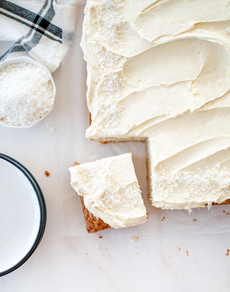 Easy eggless coconut sheet cake recipe, recipe for coconut sheet cake, the beset easy coconut sheet cake recipe. high altitude coconut sheet cake recipe, eggless sheet cake recipe, eggless coconut sheet cake recipe, the best eggless sheet cake recipe #egggless #sheetcake #coconutcake #easycakerecipe #easycake