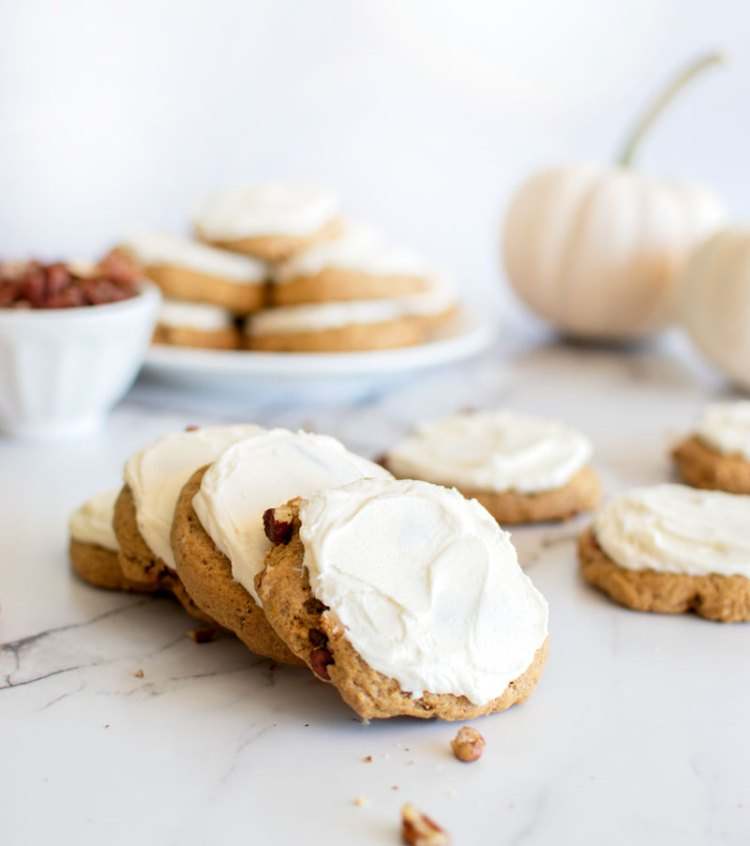 Easy recipe for pumpkin spice cookies, frosted cookies, frosting, frosted cookies, cookie frosting, pumpkin cookies, pumpkin, pumpkin spice, cookie recipe, gluten free cookies, #glutenfree #cookies #organic #organiccookies #pumpkinspice #pumpkin #pumpkinspicecookies