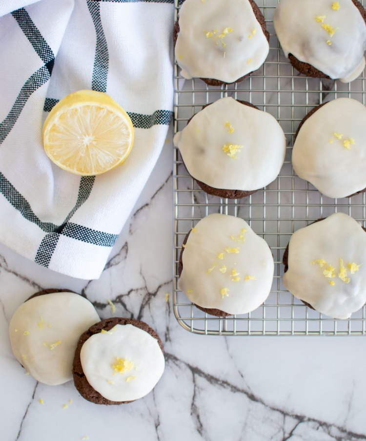 The best Lemon Frosted Chocolate Cookies. Easy recipe for lemon cookies. The best recipe for chocolate lemon cookies. Chocolate cookies with frosting. Easy soft and chewy chocolate cookies. High altitude chocolate cookies recipe. Simple chocolate and lemon cookies. Easy soft and chewy chocolate cookie recipe.