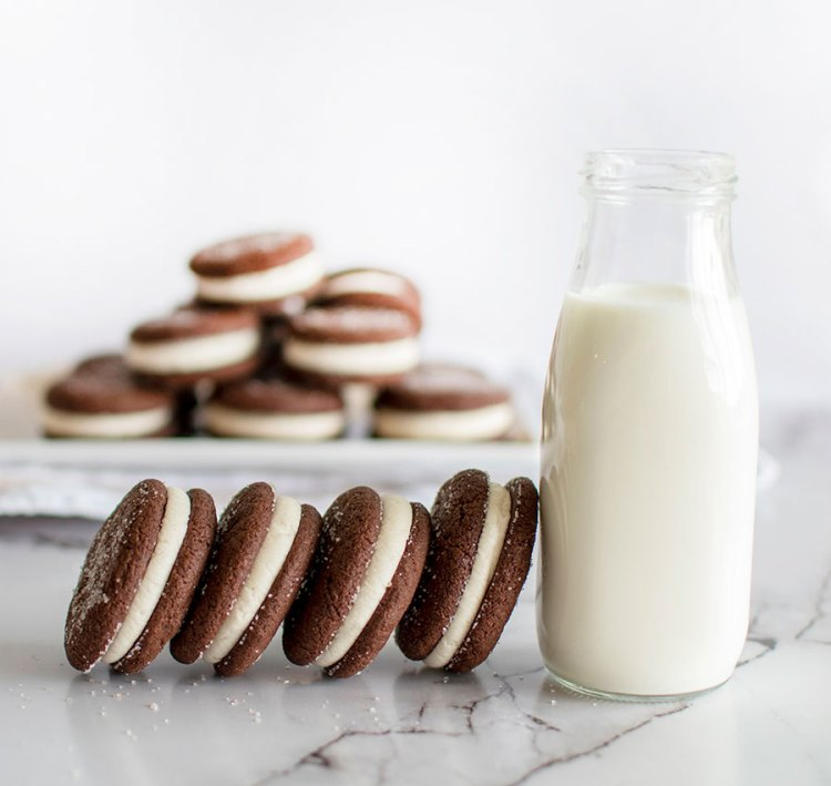 Better than oreo sandwich cookies, easy sandwich cookies, easy cookie recipes, cookies, organic cookies, chocolate, chocolate sea salt #organic #organiccookies #chocolate #sandwichcookies #cookies #glutenfree #glutenfreecookies #chocolateseasalt