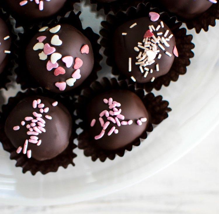 Vegan brownie truffle recipe. Vegan Valentine's Day recipe. The best vegan brownie recipe. Easy vegan truffle recipe. Vegan and gluten free brownie truffle recipe. High altitude vegan brownie recipe. Valentine's Day truffle recipe. Dairy free chocolate brownie truffle recipe.